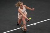 Теннис: Светлана вышла в четвертый раунд Miami Open